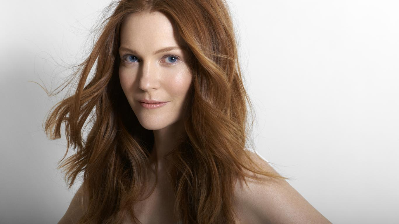 1366x768 - Darby Stanchfield Wallpapers 17