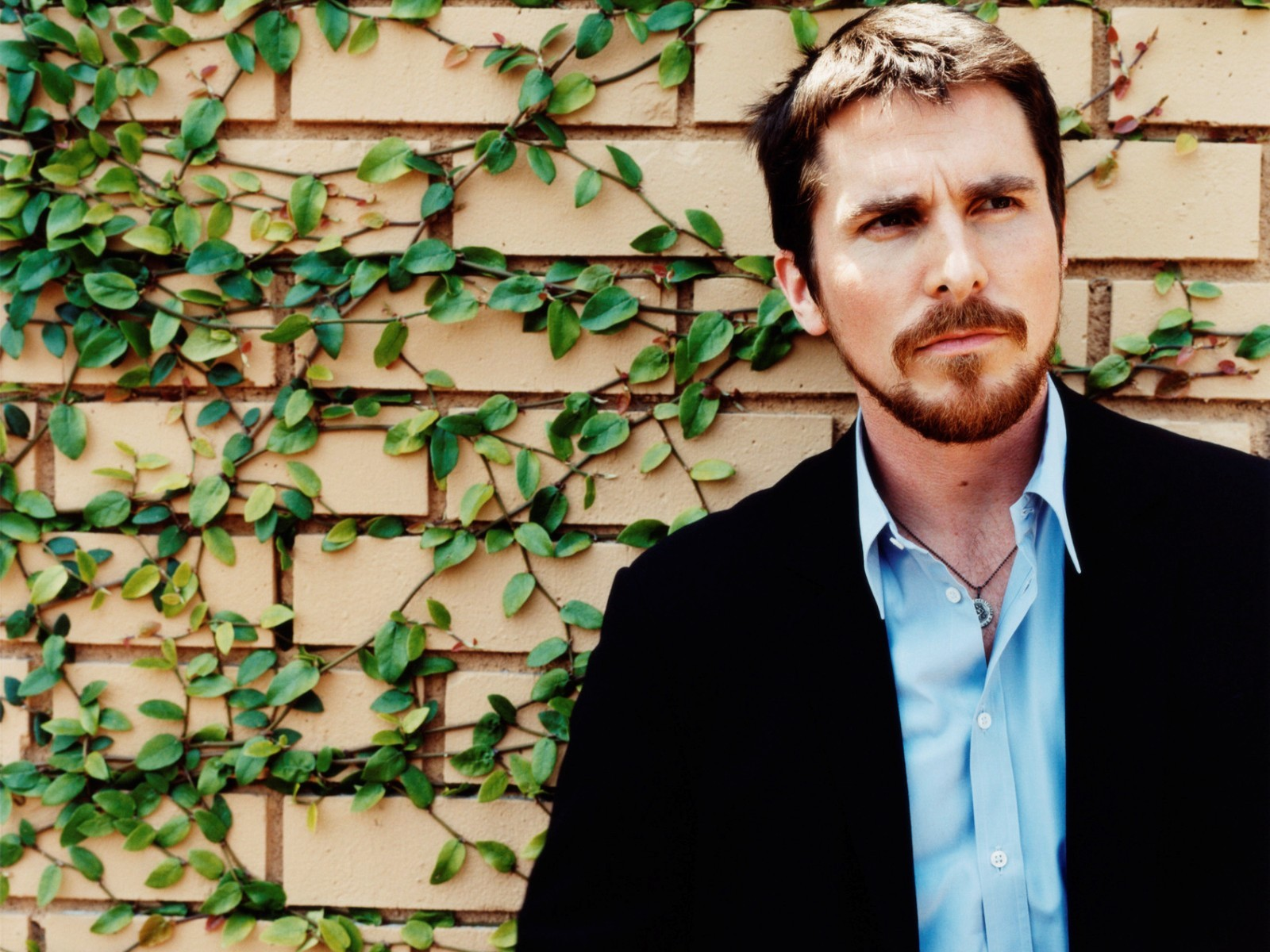 1600x1200 - Christian Bale Wallpapers 29
