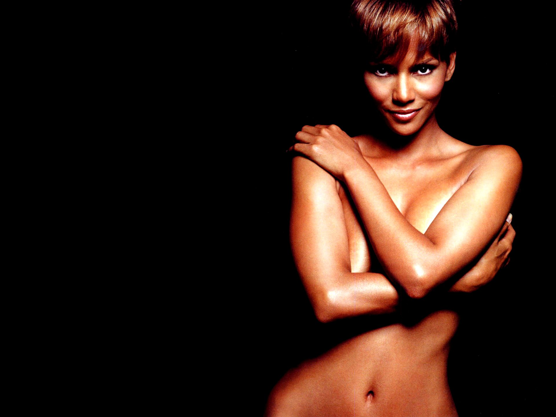 1920x1440 - Halle Berry Wallpapers 34