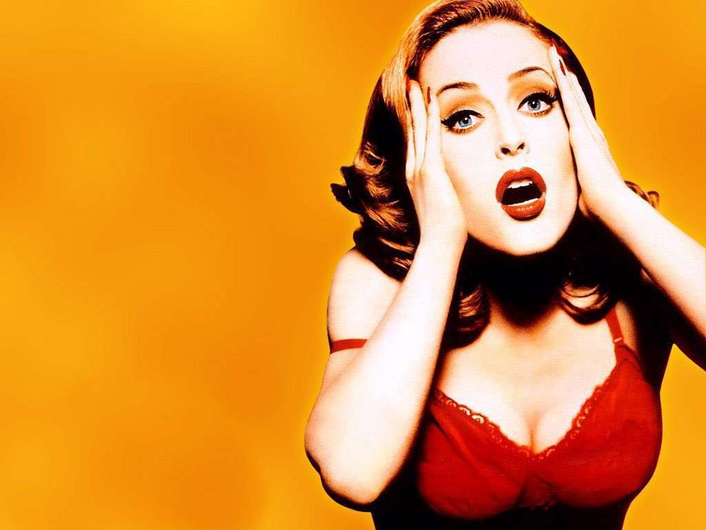 1024x768 - Gillian Anderson Wallpapers 21