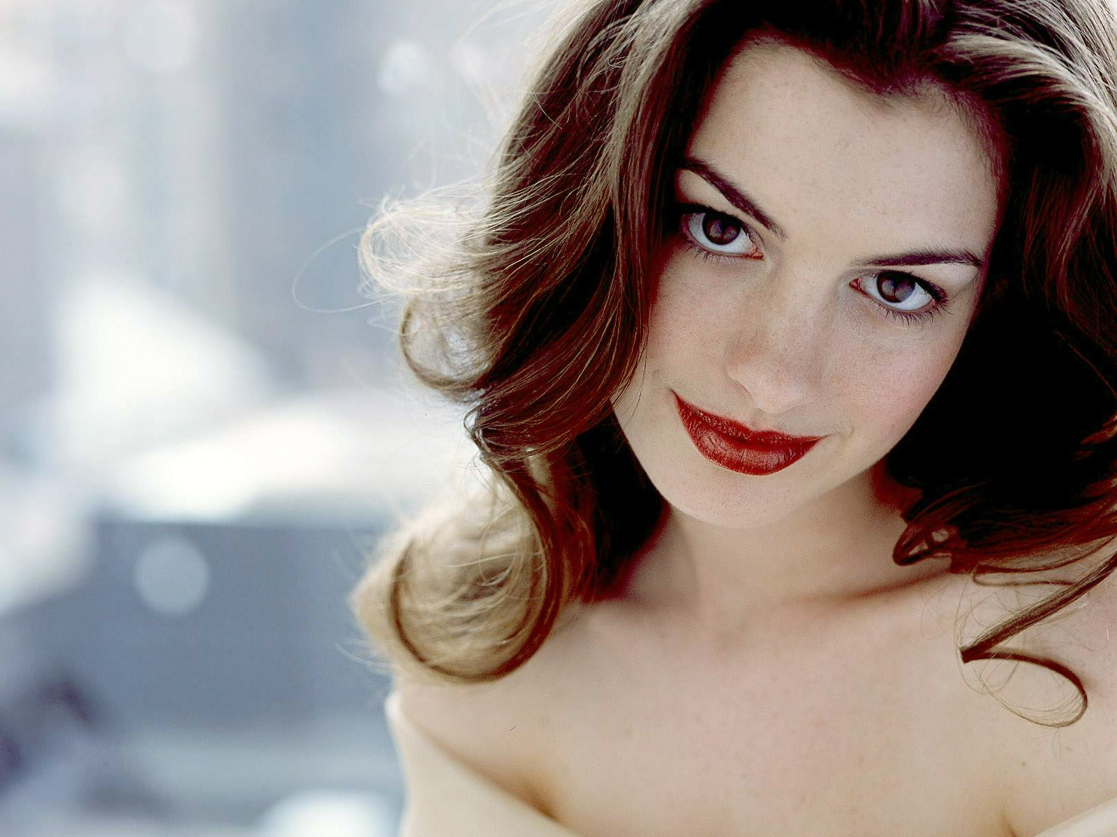 1600x1200 - Anne Hathaway Wallpapers 28