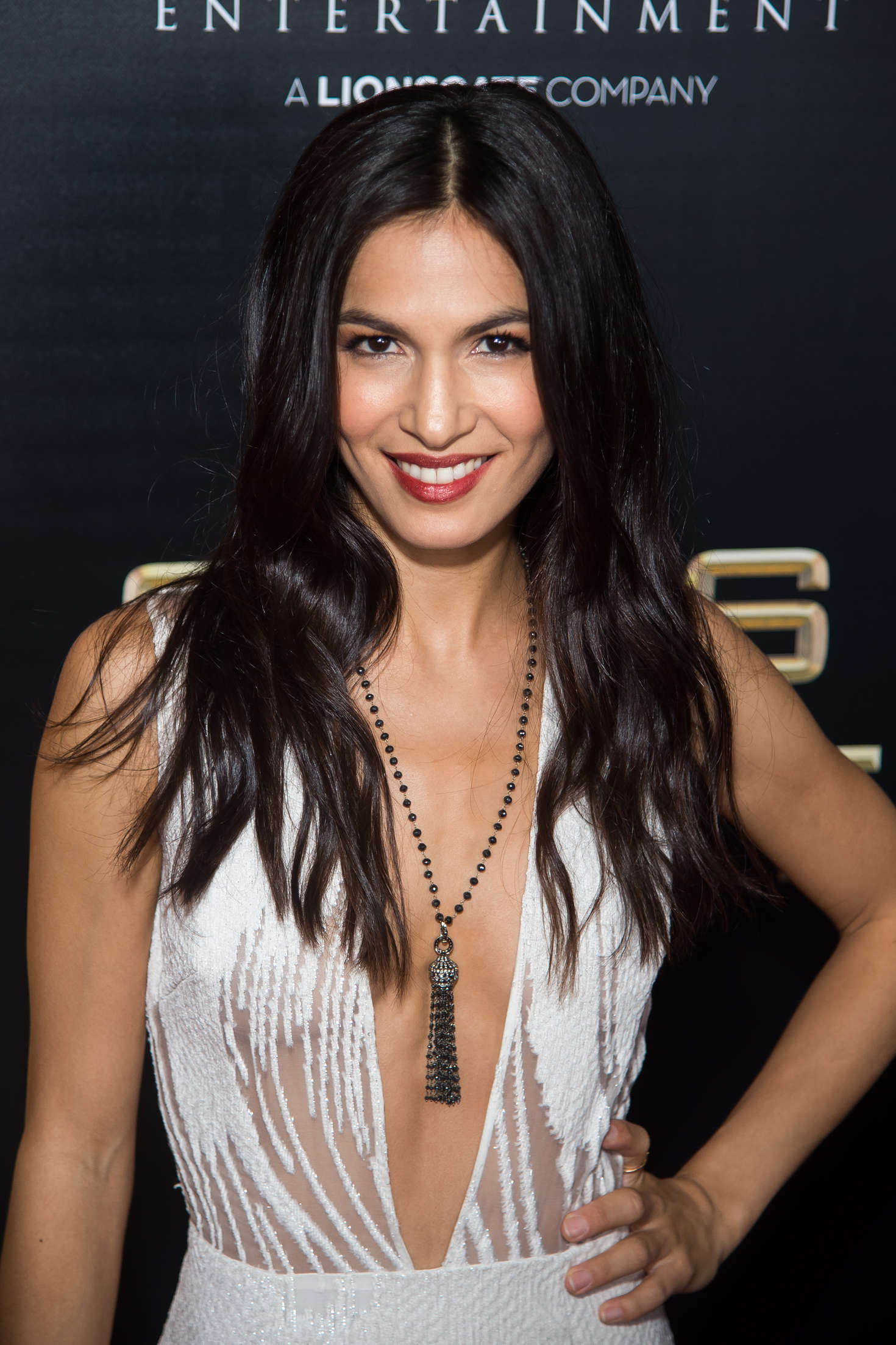 1470x2205 - Elodie Yung Wallpapers 9
