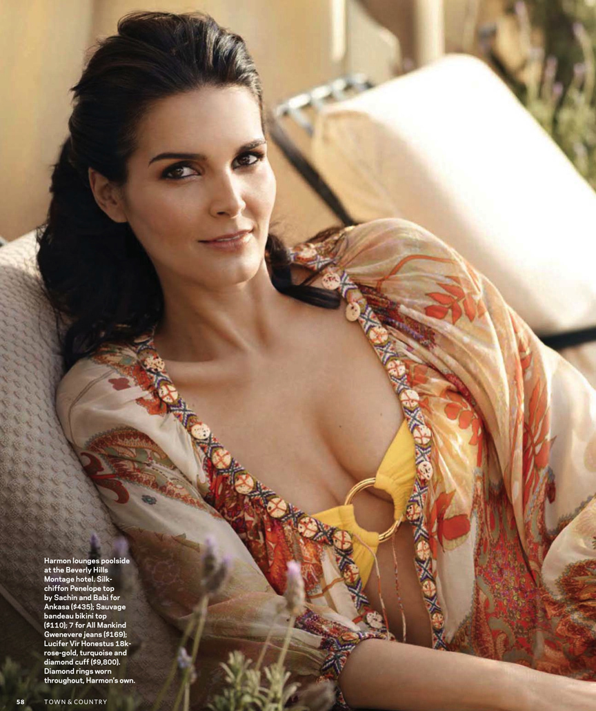 864x1030 - Angie Harmon Wallpapers 9