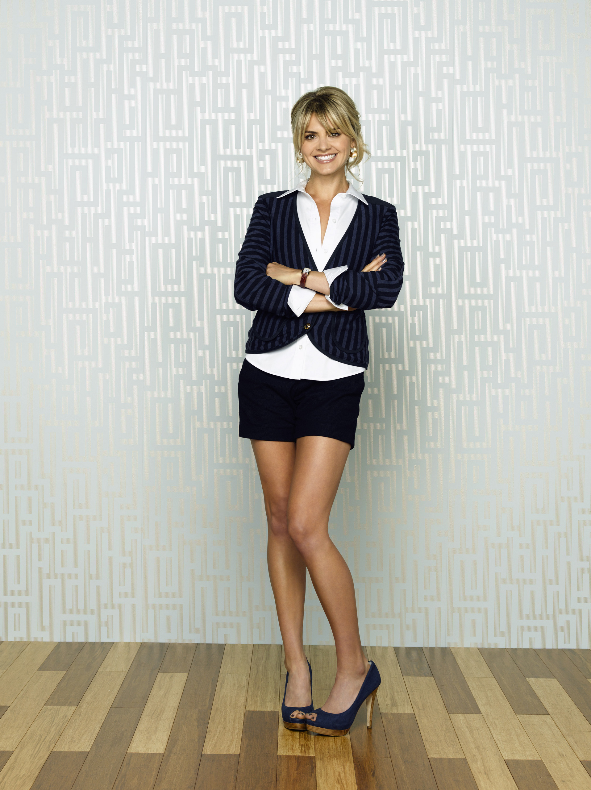 1915x2560 - Eliza Coupe Wallpapers 9