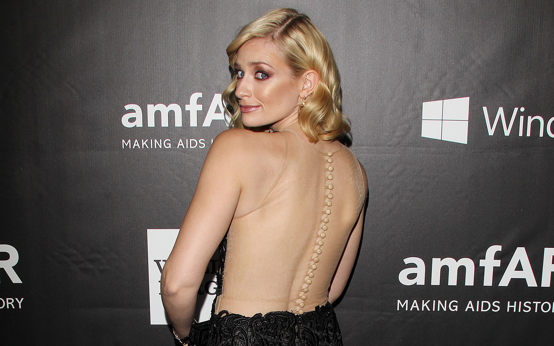 1920x1200 - Beth Behrs Wallpapers 14