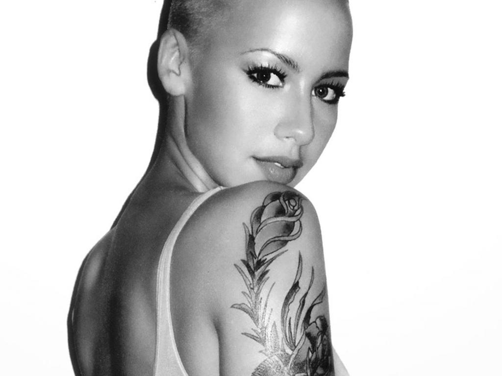 1024x768 - Amber Rose Wallpapers 27