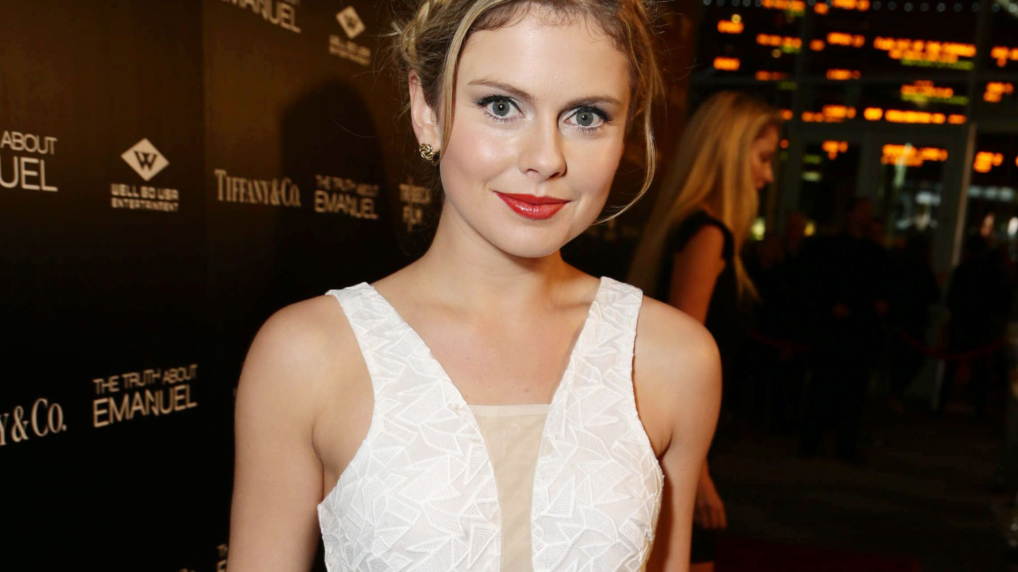 2048x1152 - Rose McIver Wallpapers 6