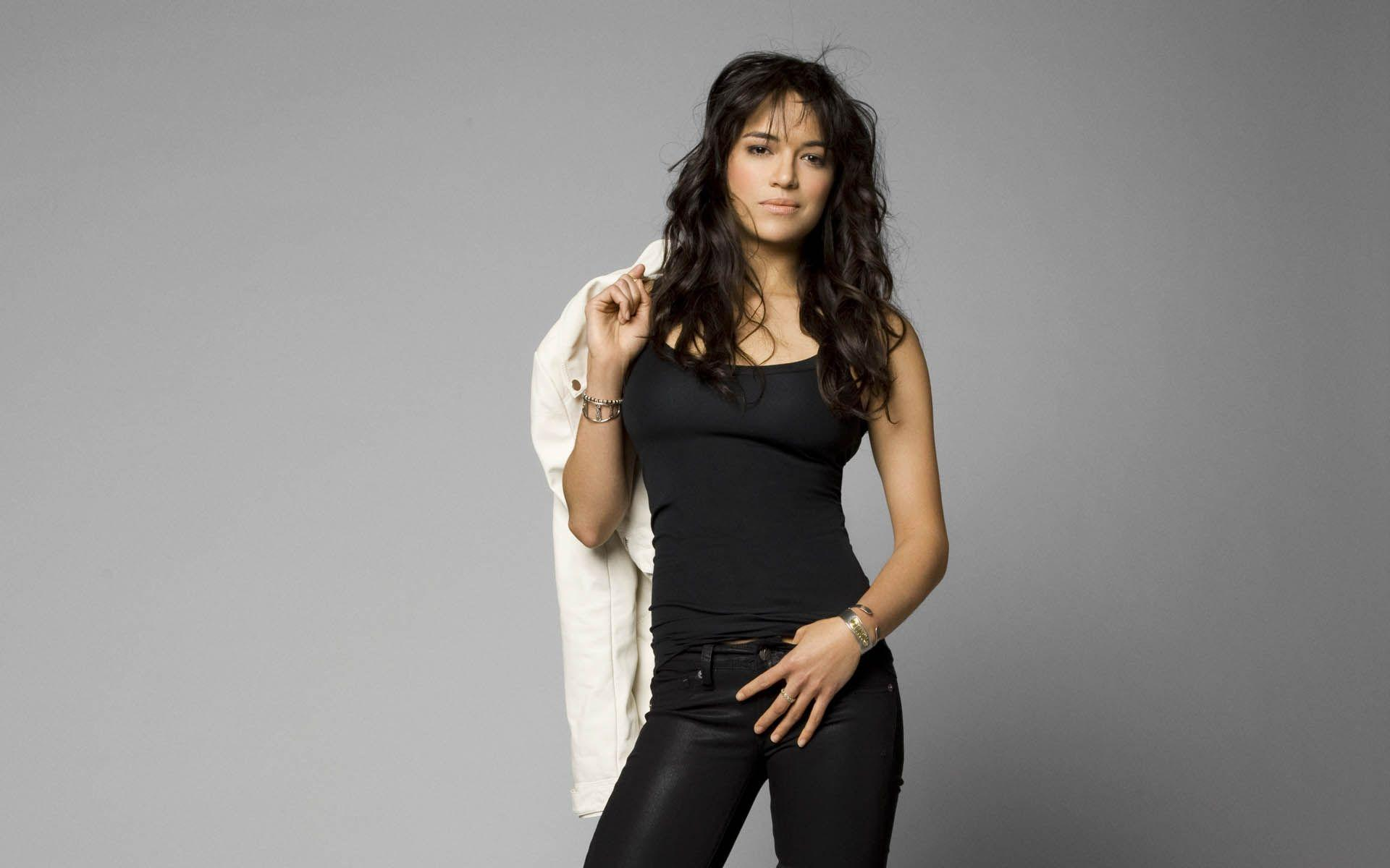 1920x1200 - Michelle Rodriguez Wallpapers 2