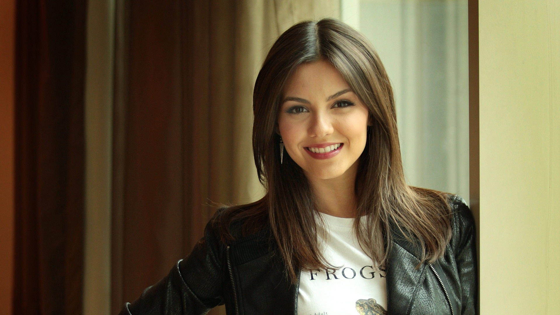 1920x1080 - Victoria Justice Wallpapers 30