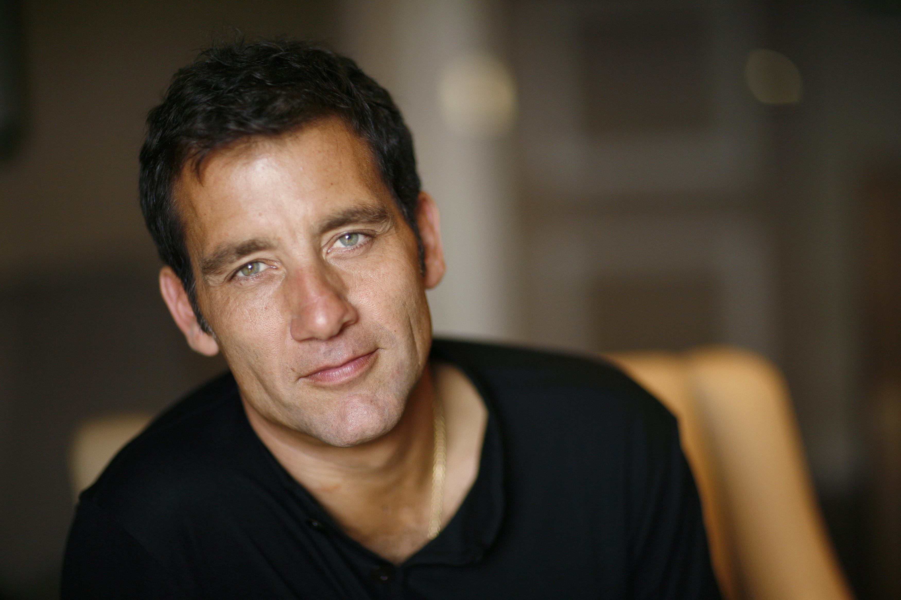 3500x2333 - Clive Owen  Wallpapers 23
