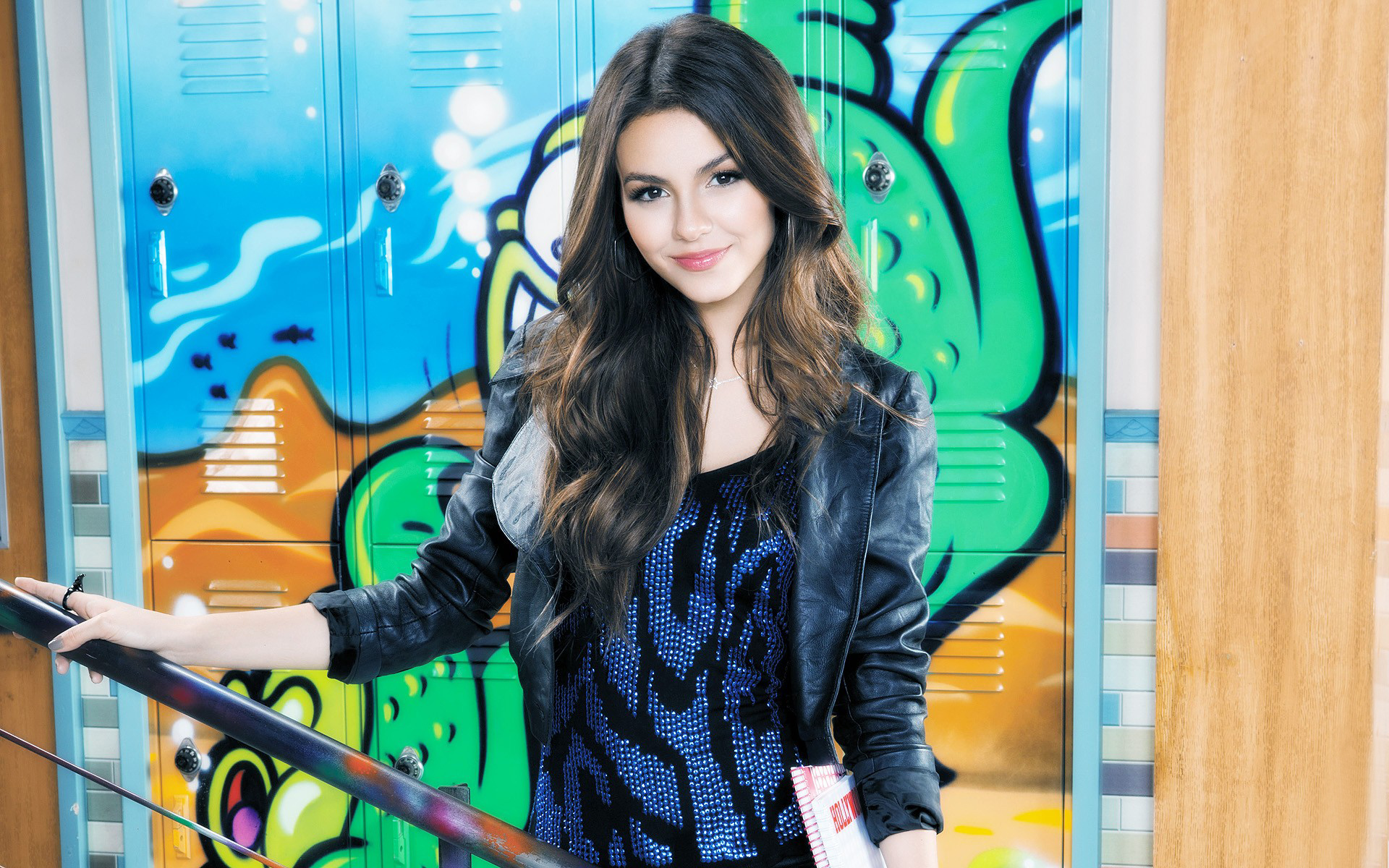 1920x1200 - Victoria Justice Wallpapers 5