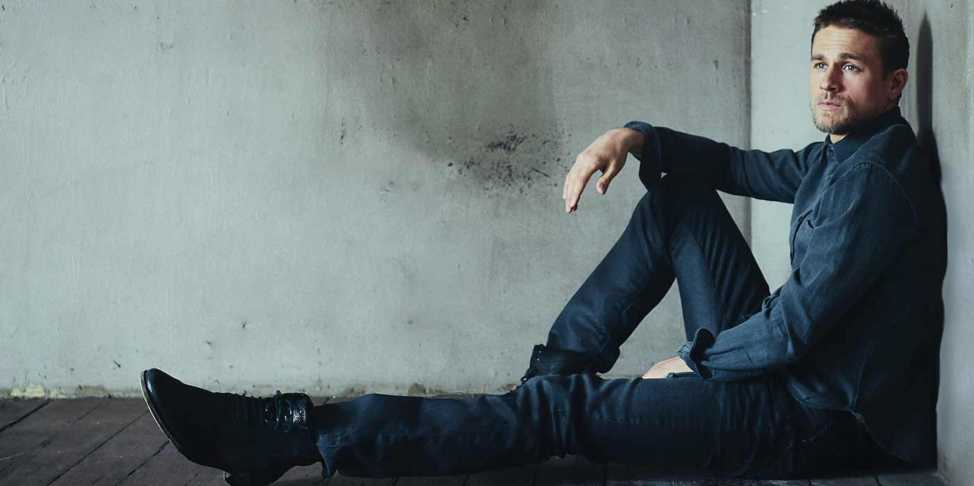 1400x699 - Charlie Hunnam Wallpapers 15