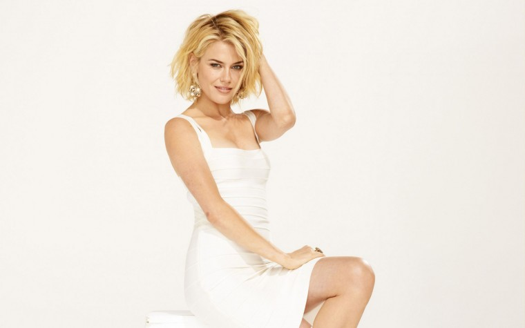Rachael Taylor Wallpapers