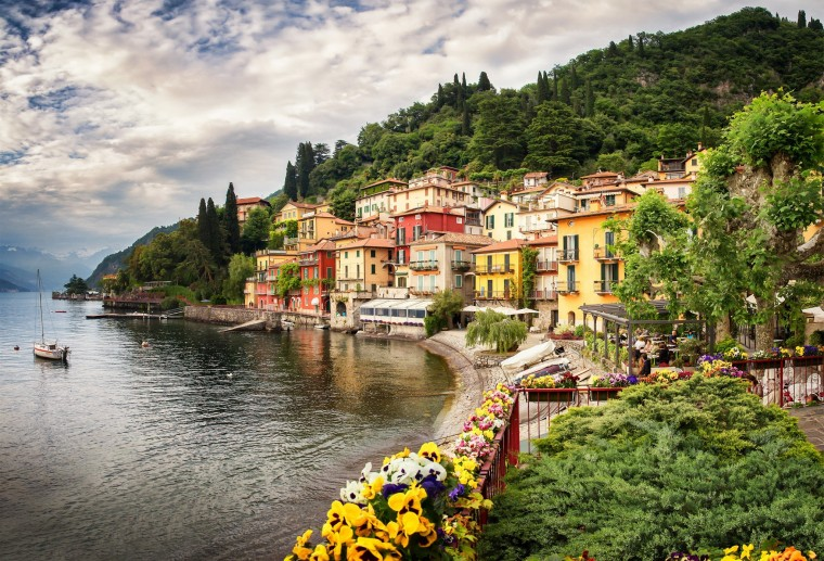 Varenna Wallpapers