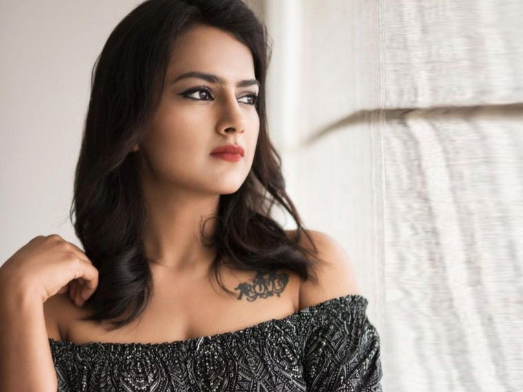 Shraddha Srinath Wallpapers