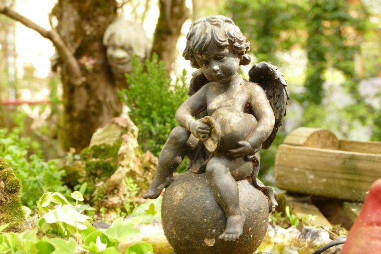 Cherub Statue Wallpapers