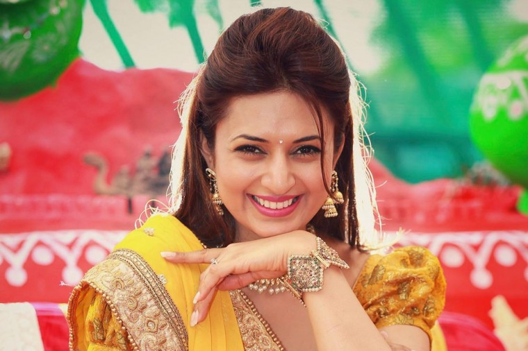 Divyanka Tripathi Wallpapers