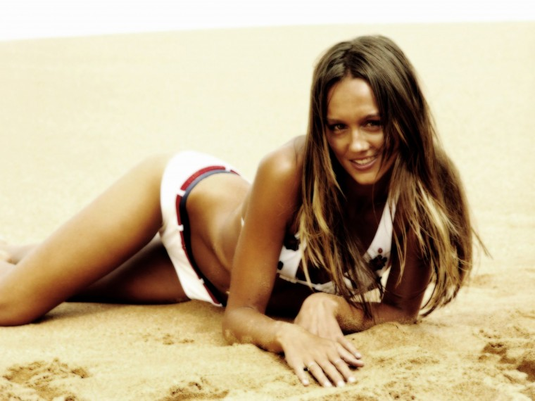 Sharni Vinson Wallpapers