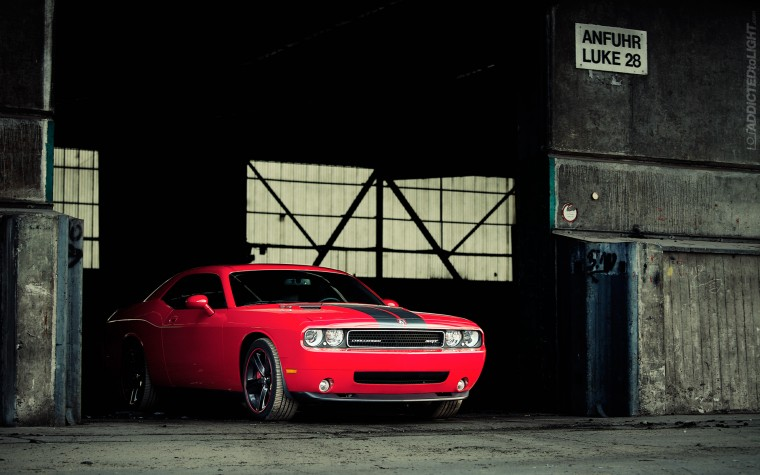 Dodge Challenger SRT8 Wallpapers
