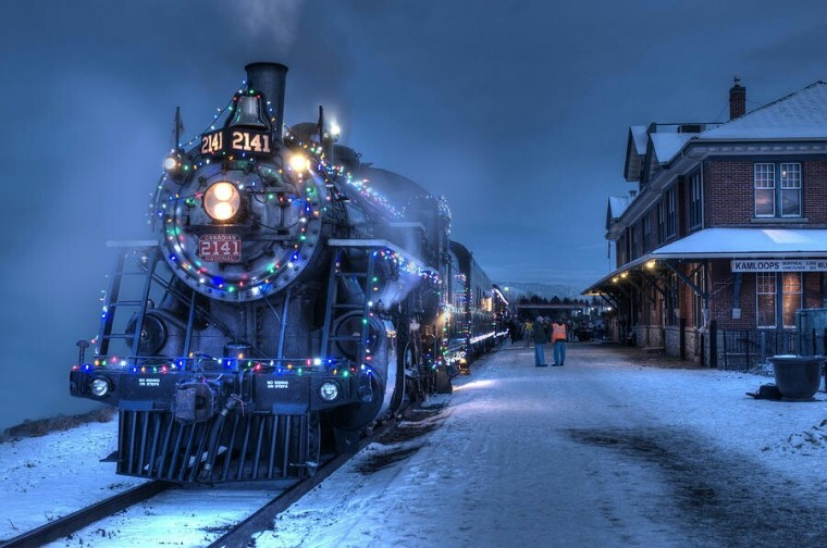 Christmas Train Wallpaper for Desktop