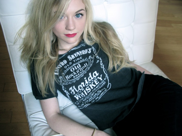 Emily Kinney Wallpapers