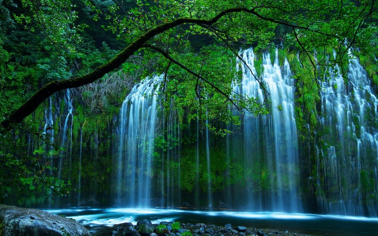 Mossbrae Falls Wallpapers