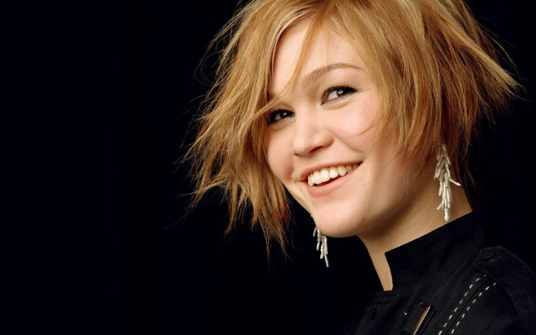 Julia Stiles Wallpapers