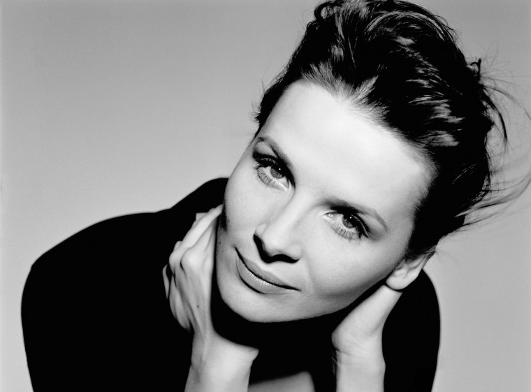 Juliette Binoche Wallpapers