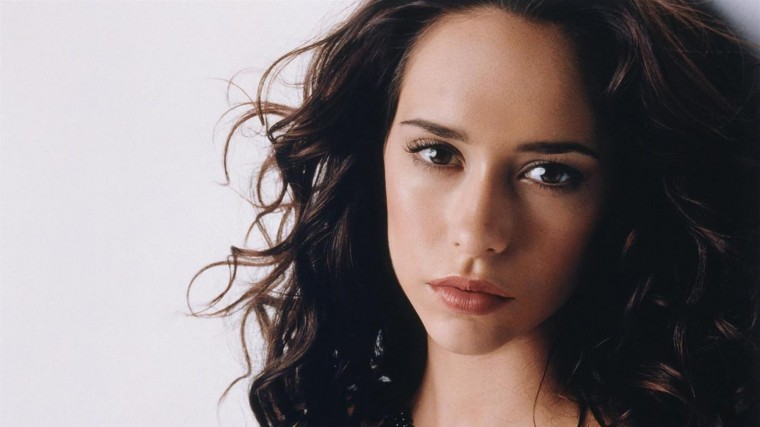 Jennifer Love Hewitt Wallpapers