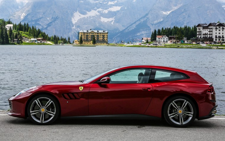 Ferrari GTC4Lusso Wallpapers