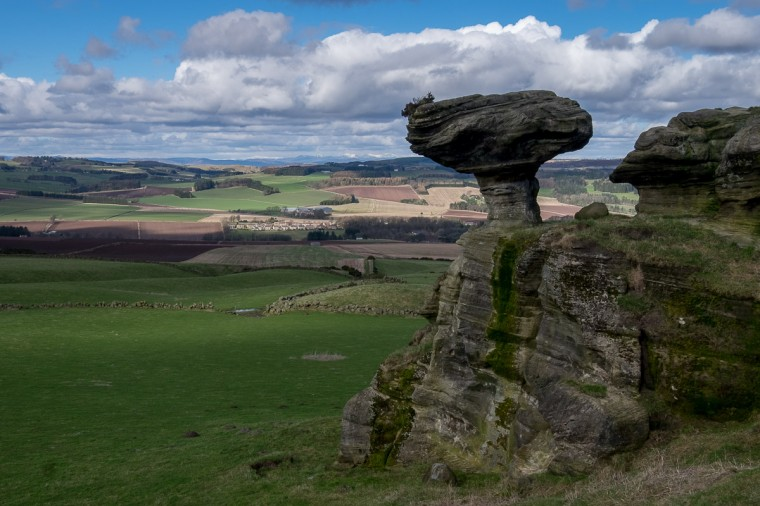 Bunnet Stane Wallpapers
