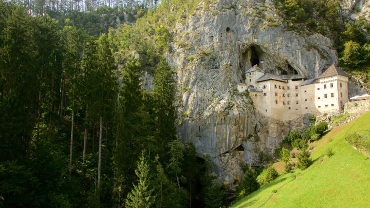 Predjama Castle Wallpapers