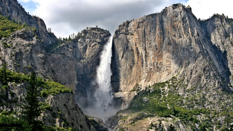 Yosemite Falls Wallpapers