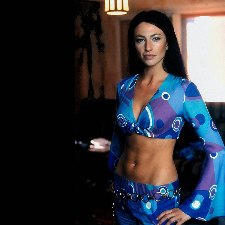 Claudia Black Wallpapers